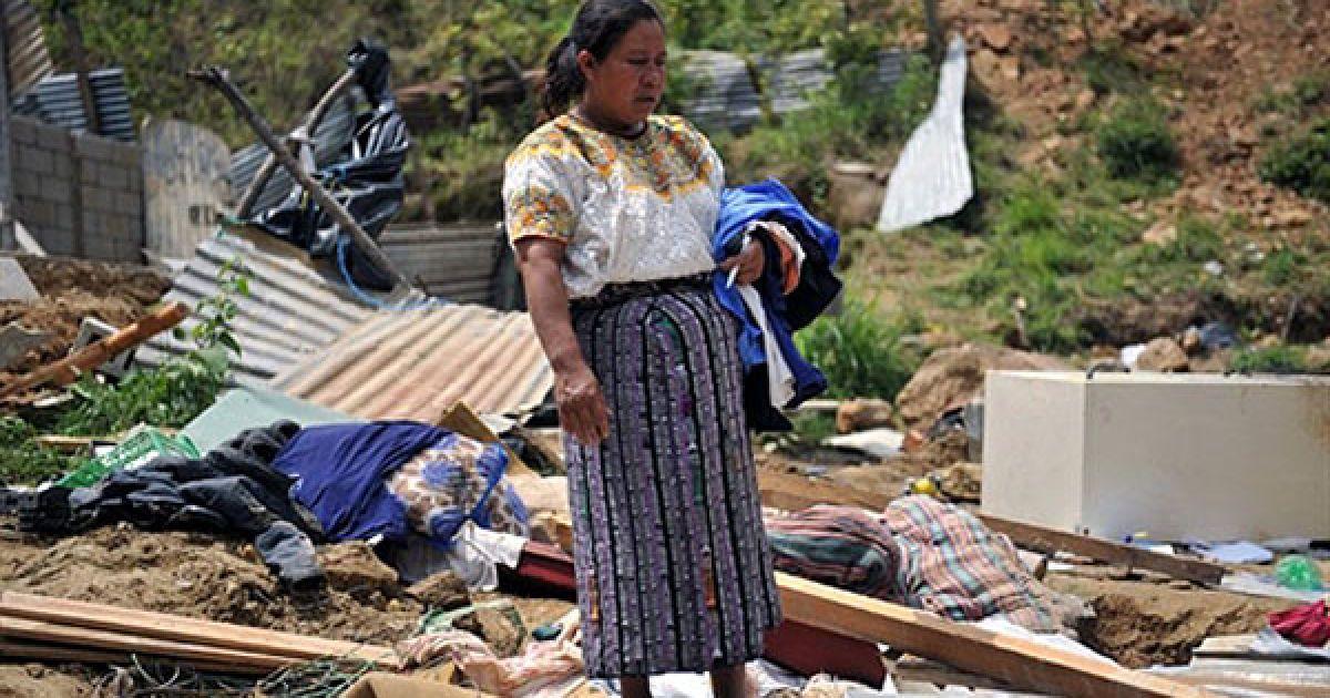 За словами представника служб порятунку Гватемали, через ураган і проливні дощі, що його супроводжують, у країні загинули 73 людини. @ AFP