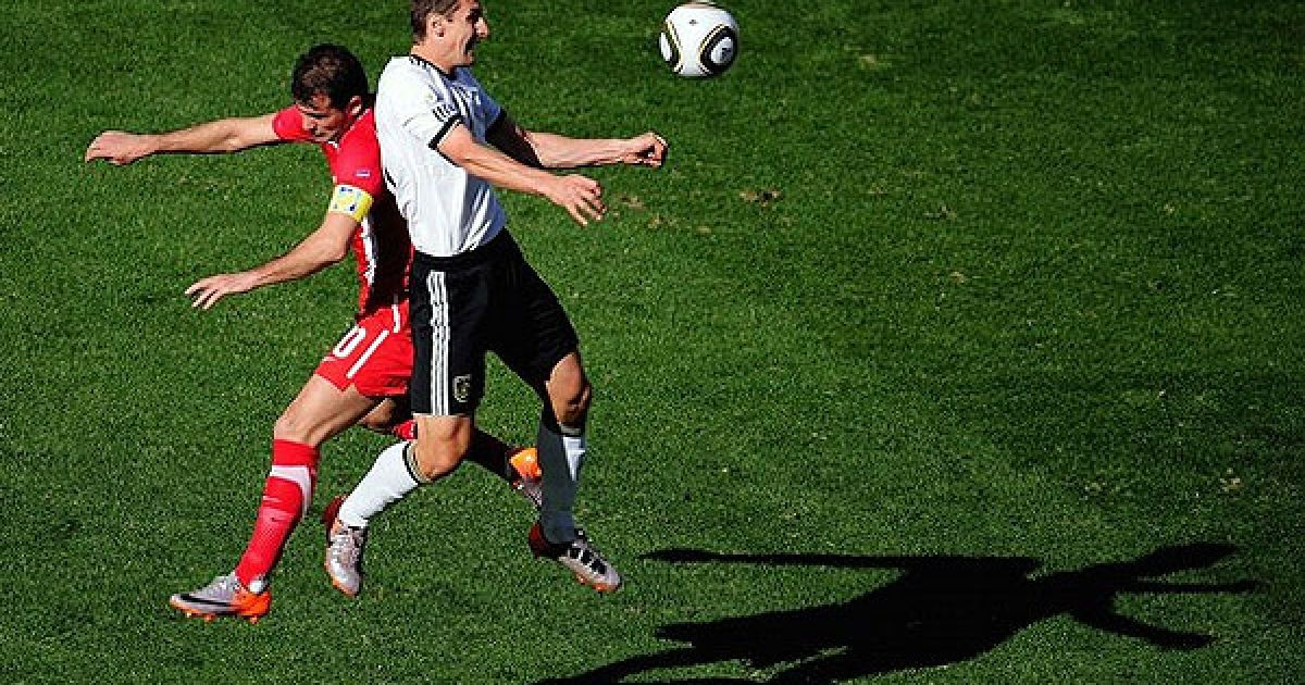 Збірна Сербії з мінімальним рахунком 1:0 перемогла Німеччину у другому турі Чемпіонату світу з футболу. @ Getty Images/Fotobank
