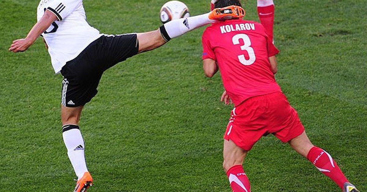 Хедіра демонструє футбольне карате @ Getty Images/Fotobank