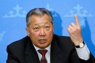 """Бакієв вийшов у радіоефір: """"За переворотом у Киргизії стояли зовнішні сили"""""""