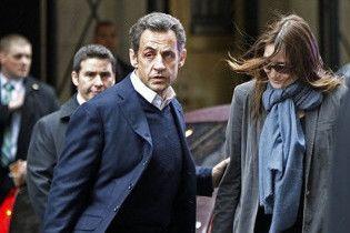 Дружину Саркозі підозрюють у сексуальних зв'язках із міністром-соціалістом