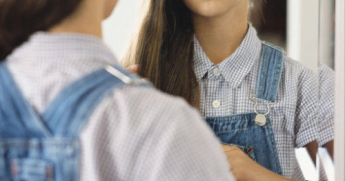 первые волосики на лобке девочек фото