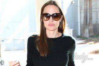 Анджелина Джоли путешествует с сыном Мэддоксом