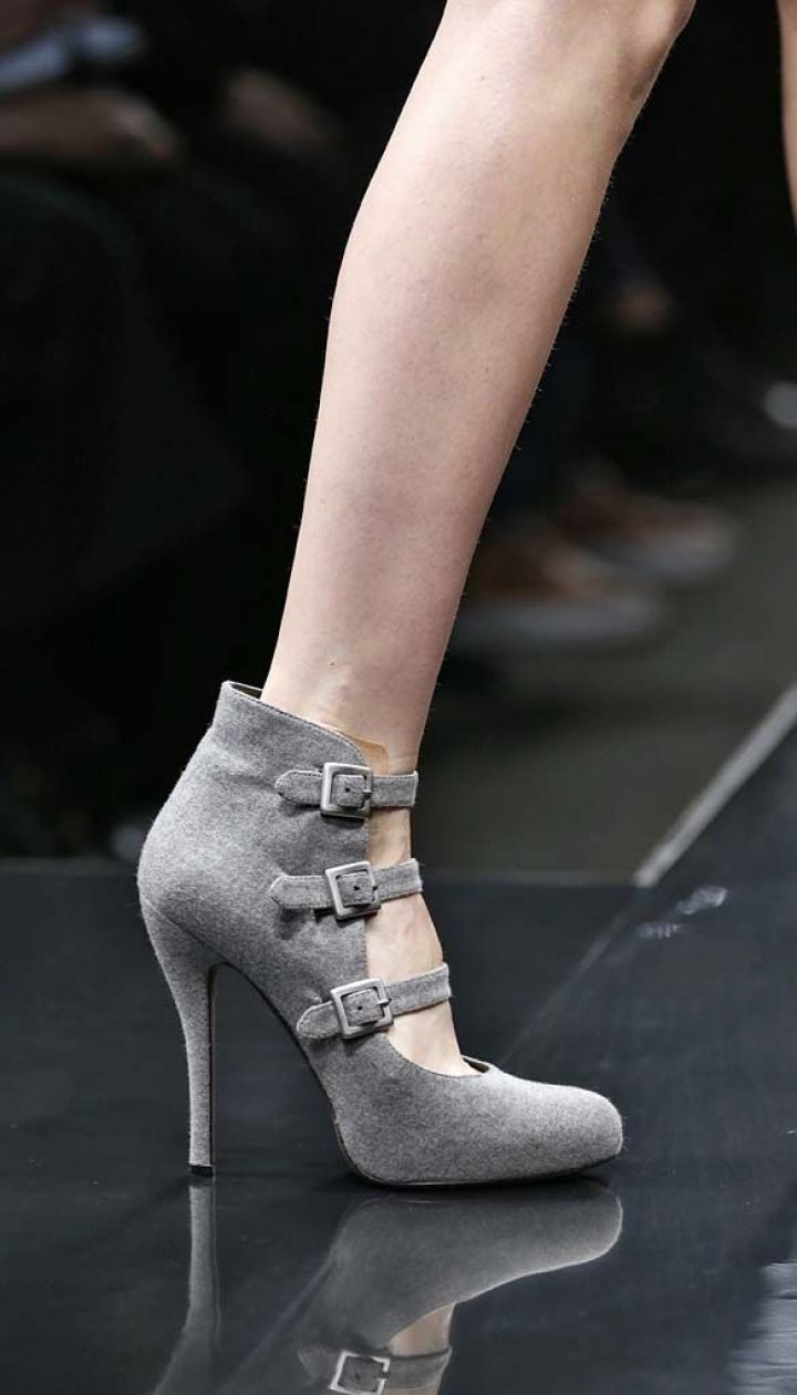Смотреть Какая обувь в моде осенью 2013 видео