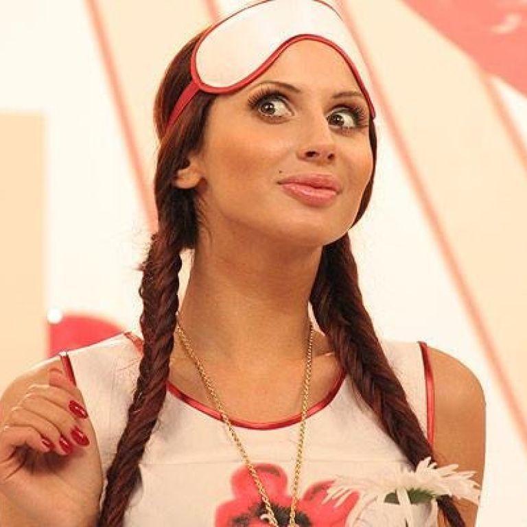 Сексуальная Анна Котова – Детки (2020)