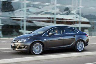 Новый седан Opel Astra 2013 покажут в Москве