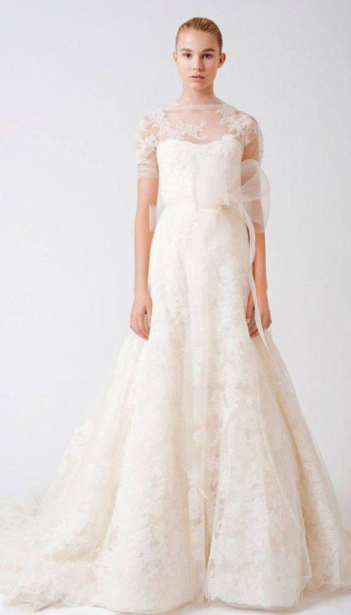 Смотреть Свадебные платья Vera Wang видео