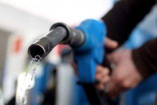 Хакери вкрали біля двох тисяч літрів бензину серед білого дня
