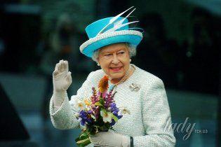 10 известных фактов из жизни королевы Елизаветы II