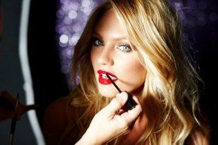 Женские хитрости: четыре правила красивого макияжа
