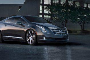GM выпустил первый экземпляр гибридного купе Cadillac ELR