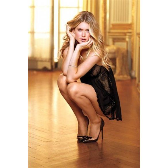 Онлайн видео сладкая блондинка