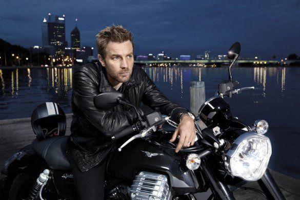 """Юэн МакГрегор """"засветился"""" в рекламе мотоцикла"""