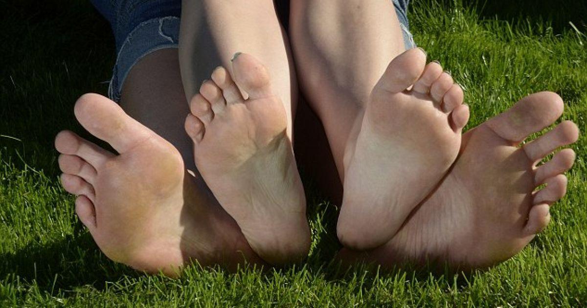 Большая нога картинка