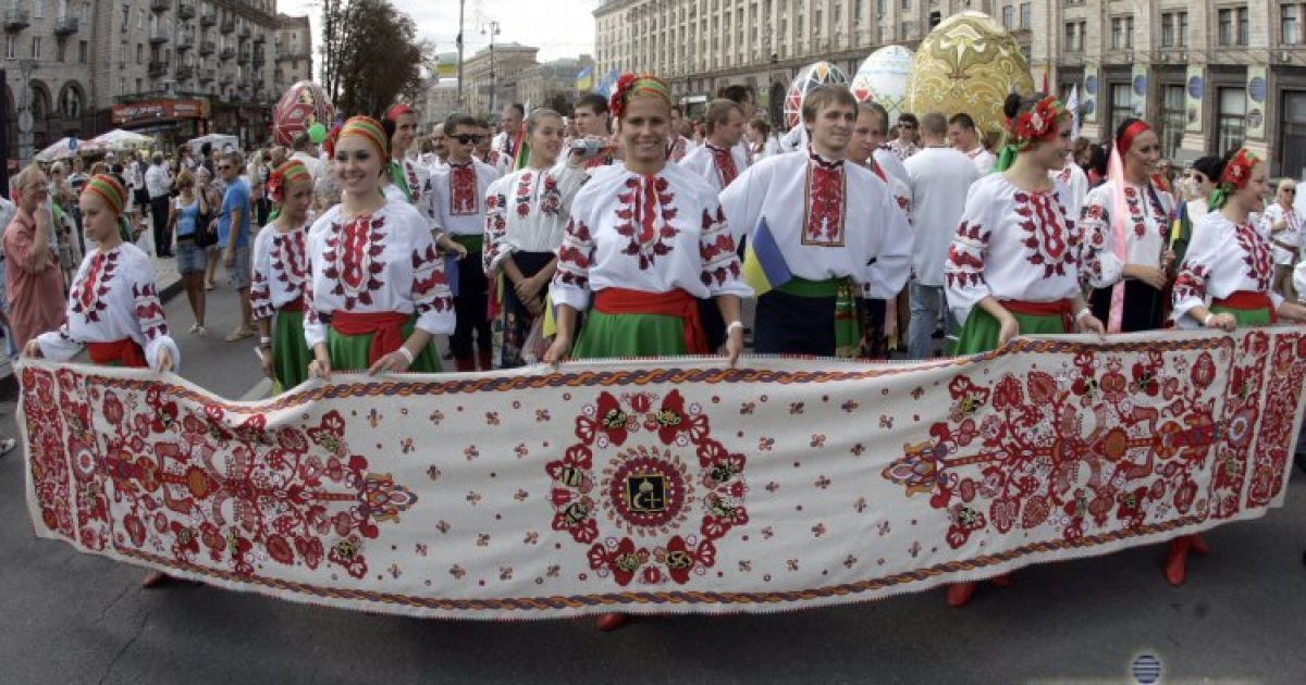 Парад вышиванок, Киев, 24 августа 2012 года @ УНІАН