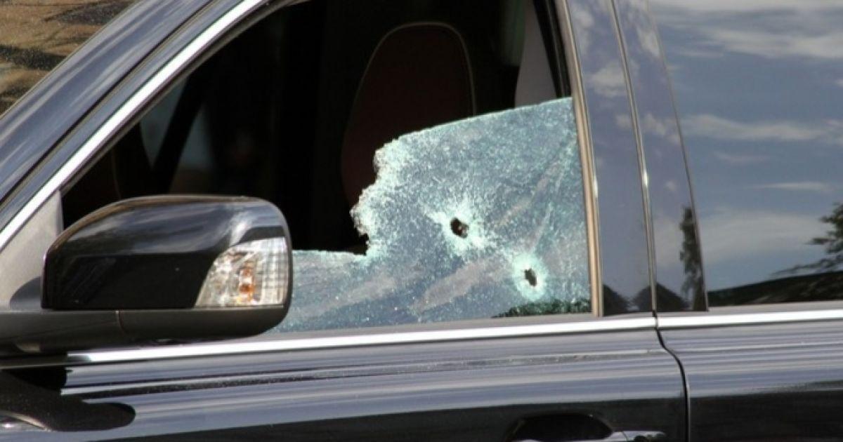 Позашляховик розстріляли посеред білого дня в центрі міста @ ZAXID.NET