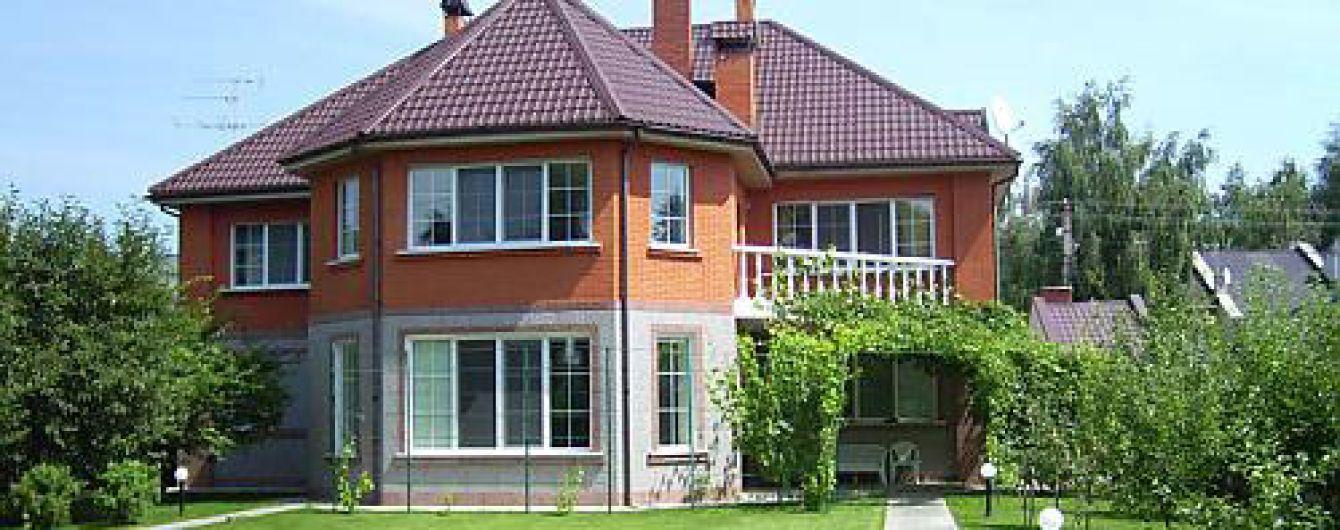 Парламент дозволив користуватися незаконними будинками, збудованими до 2015 року