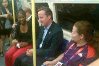 Прем'єр Британії їздить на Олімпійські ігри на метро