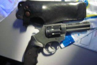 Грати в рулетку пістолет