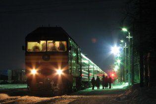 На Закарпатті поїзд відрізав ногу чоловіку, який заснув на рейках