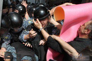 Языковая война сорвала планы Януковича и обезглавила Раду