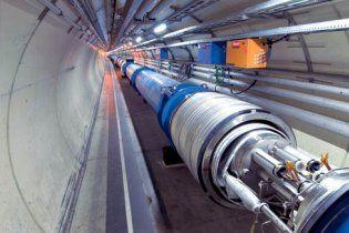Большой адронный коллайдер после модернизации ищет темную материю