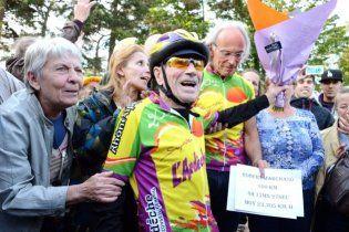 100-летний француз установил рекорд в велогонке