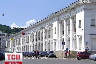 Архитектор утверждает, что Гостиный двор случайно оказался в списке памятников