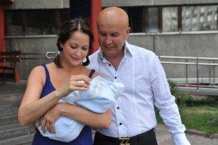 Новонароджений син Ольги Кабо вперше позував для фотосесії