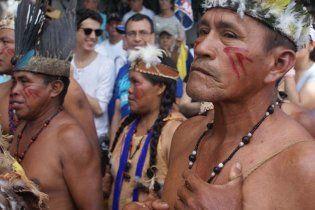 В джунглях Амазонии сожгли индейскую деревню со всеми жителями