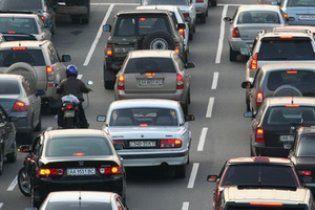 Робітники перекрили дорогу, бо три місяці працюють задарма
