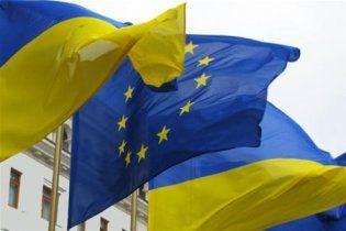 Західна преса в шоці від української європаузи, а російська - іронізує