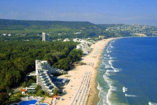 Українці їздять в дорогий Крим через відсутність віз і все менше цікавляться морем