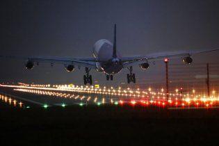 У США літак впав на житловий будинок