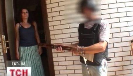В Житомире задержали троих подозреваемых в расправе над семьей предпринимателя
