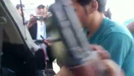 Неизвестное видео с убитым Каддафи