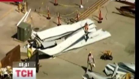 Шторм у США рвав дахи і ламав літаки