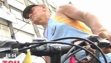 Житель Запорожья собрался в Индию на велосипеде