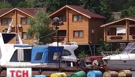 Незаконные застройки на берегах Днепра