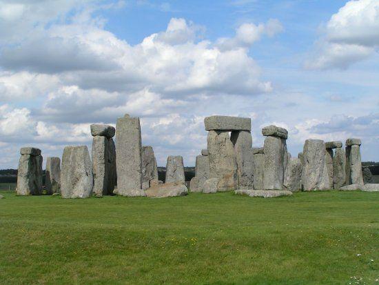 Біля Стоунхенджу археологи виявили кільце шахт, виритих понад 4500 років тому