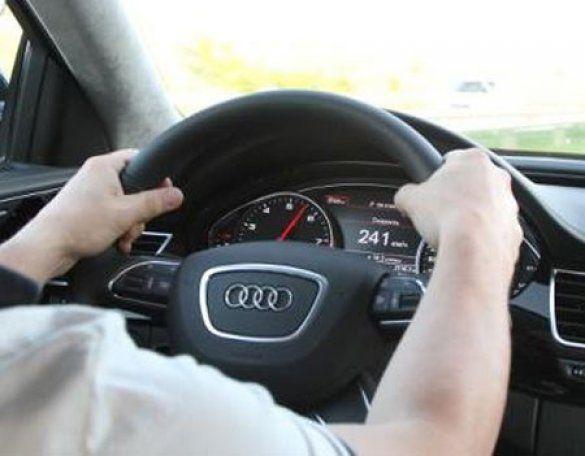 Владислав Лук'янов за кермом Audi