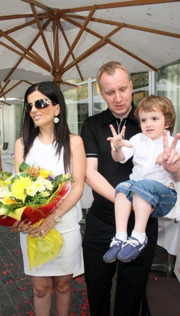 Диана Гурцкая с семьей