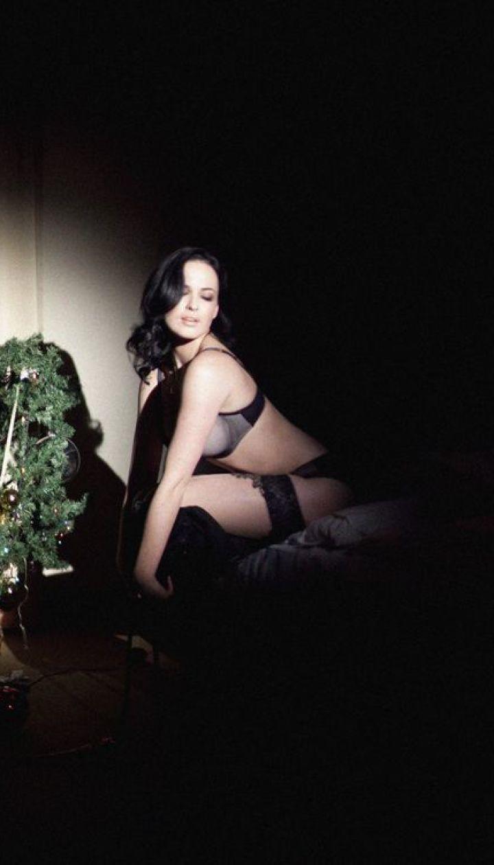 Астафьева занималась сексом с елкой