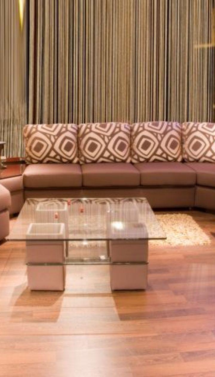 угловой диван в интерьере дом Tchua