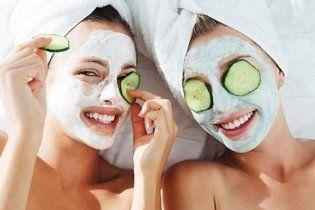 Как освежить кожу вокруг глаз