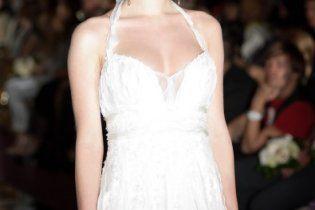 Даша Медовая примерила свадебное платье