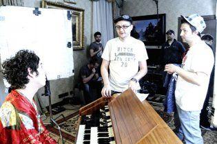 """Бумбокс"" и ""Pianoboy"" представили клип ""Этажи"" (Видео)"