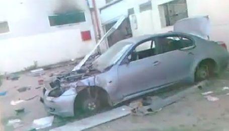 В Египте разграбили дилерский центр BMW