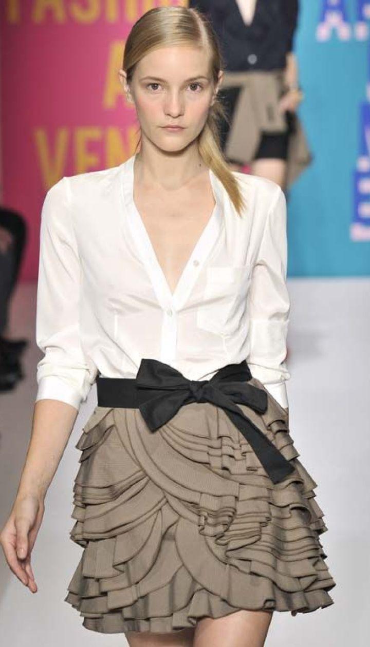 DKNY прет-а-порте весна-лето 2011 (East News)