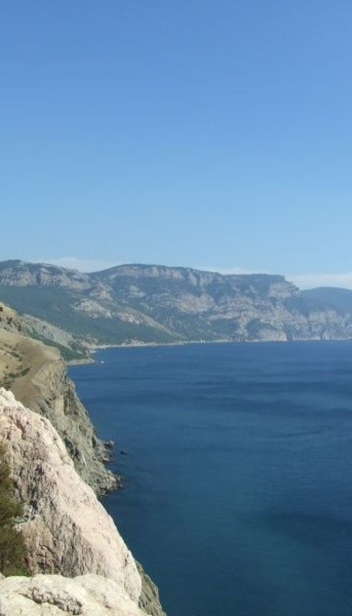 Вид на открытое море